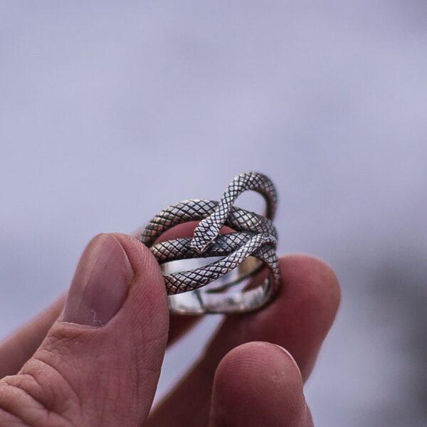 Bague serpent homme