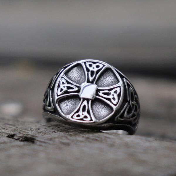 Bague croix celtique