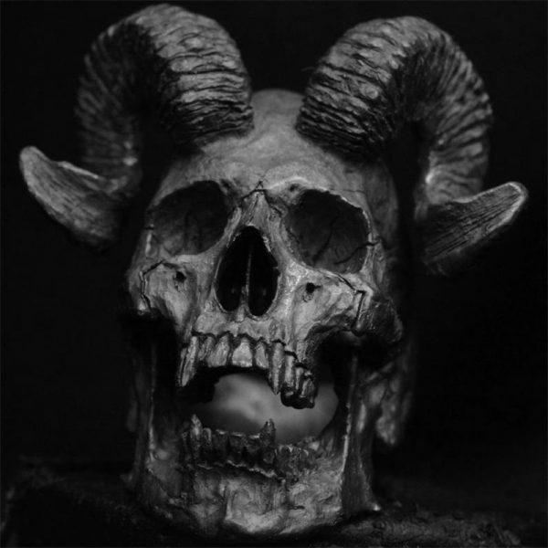 Bague gothique crane satan