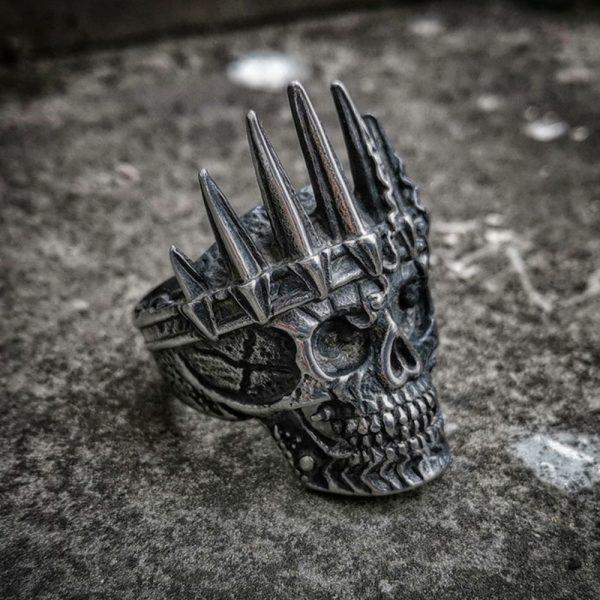 Bague skull homme avec couronne