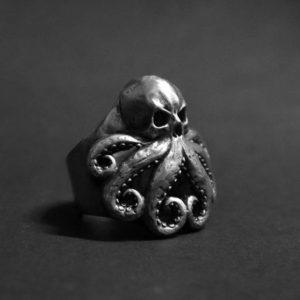 Bague tete de mort pirate pieuvre