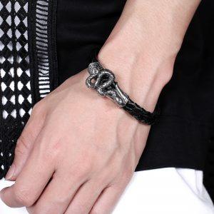 Bracelet serpent egyptien au poignet