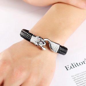 Bracelet serpent homme au poignet