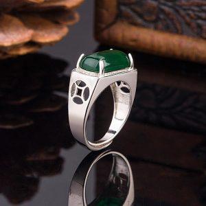 Chevaliere homme en pierre de jade