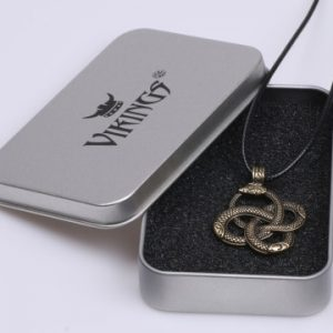 Collier avec serpent